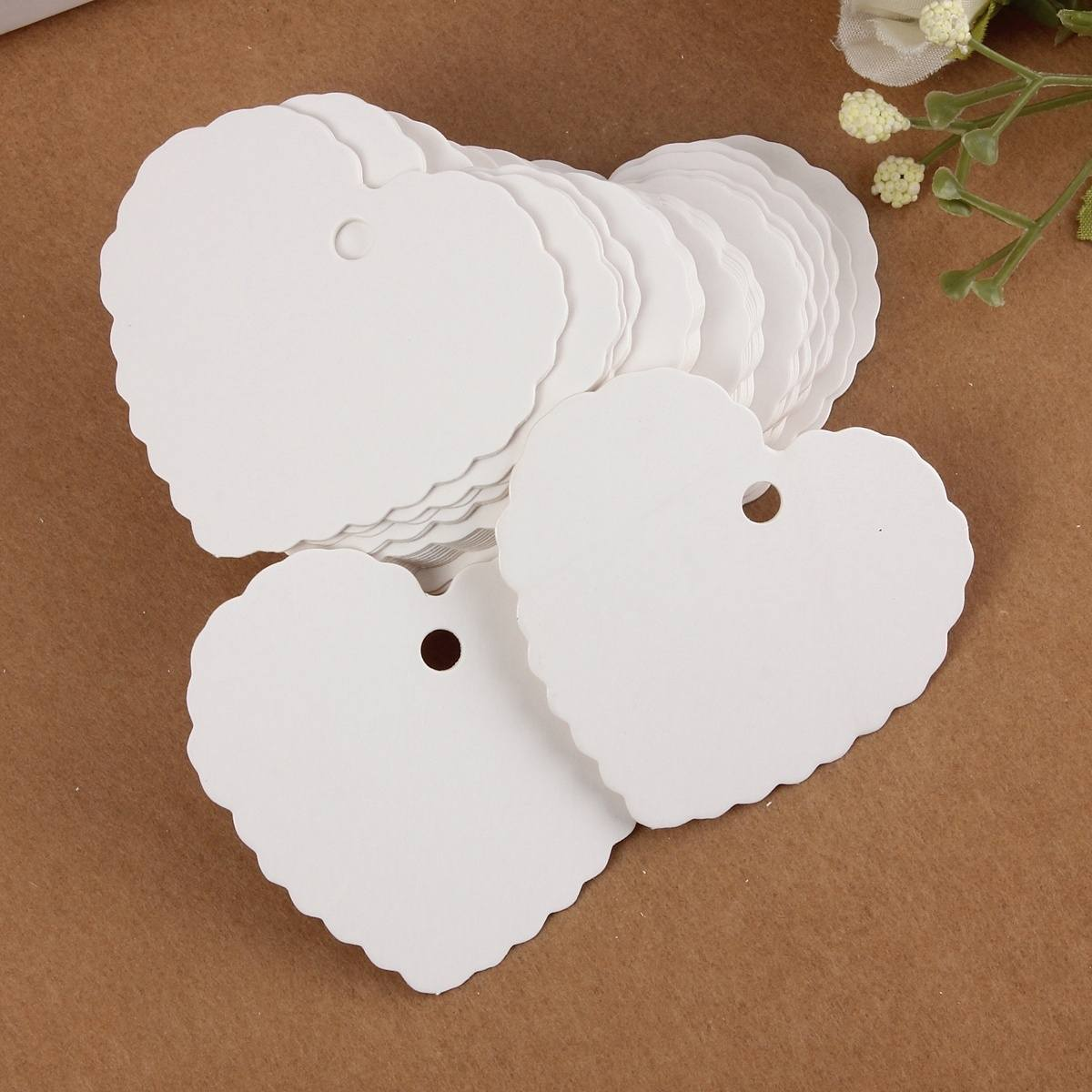 50X Mini Blank Heart shape Kraft Paper Hang Tags Wedding Party Label Price Gift Cards Bookmark Maker