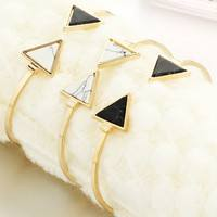 FXbO-Gold Plated Black White Stone Triangle Geometric Bangle Fashion Vintage European Charm Elegant Trendy Bangles Bracelet