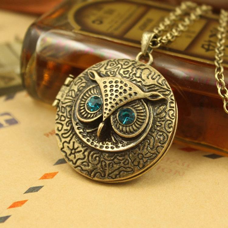 Retro Owl Carving Patterns Can Be Opened Box Long Sweater Chain Necklace