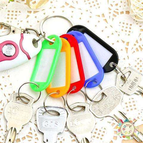 New 30 Coloured Plastic Key Fobs Luggage ID Tags Labels Key rings with Name Cards-4