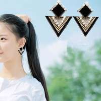 JoSV-Female Fashion Vintage Lovely Triangle Punk Earrings Rhinestone Triangle Earrings Black