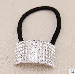 Hot Fashion Punk Rivet Hair Rope Personalized Gold Black Plated Semicircle Metal Elastic Hair band-3