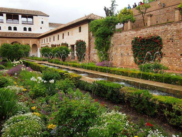 alhambra tips and tricks tours spain muslim
