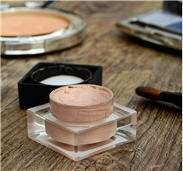 Makeup how to use Concealer and Powder on skin