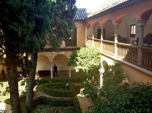 alhambra spain muslim tips and tricks tours