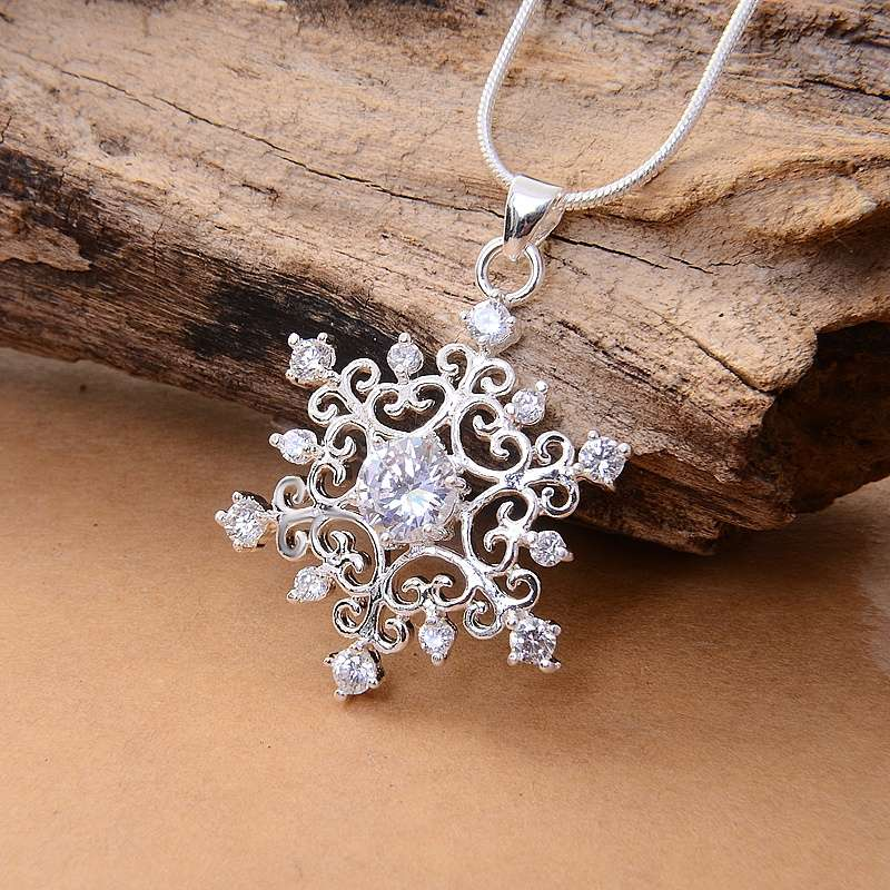 925 Sterling Silver Snowflake Pendant Snake Chain Necklace