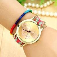Wk4Q-Women's Ethnic Love Heart Golden Tone Dial Knitted Rope Alloy Band Wrist Watch